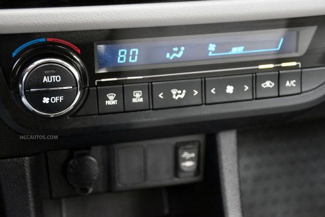 2015 Toyota Corolla LE Waterbury, Connecticut 26