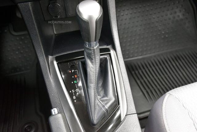 2015 Toyota Corolla LE Waterbury, Connecticut 27