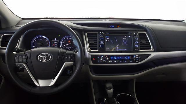 2015 Toyota Highlander XLE in Carrollton, TX 75006
