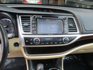 2015 Toyota Highlander Limited Platinum Farmington, MN 8