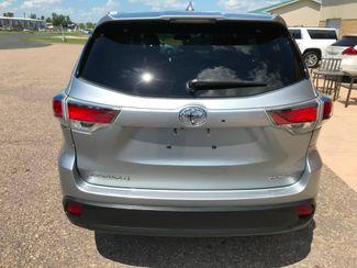 2015 Toyota Highlander XLE Farmington, MN 3