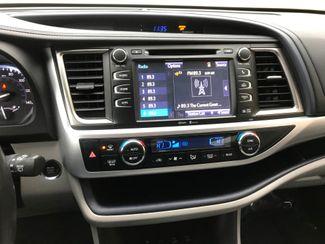 2015 Toyota Highlander XLE Farmington, MN 4