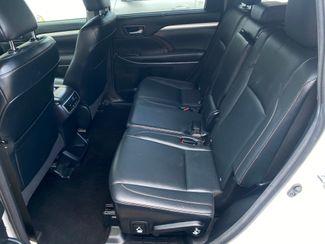 2015 Toyota Highlander XLE Farmington, MN 6