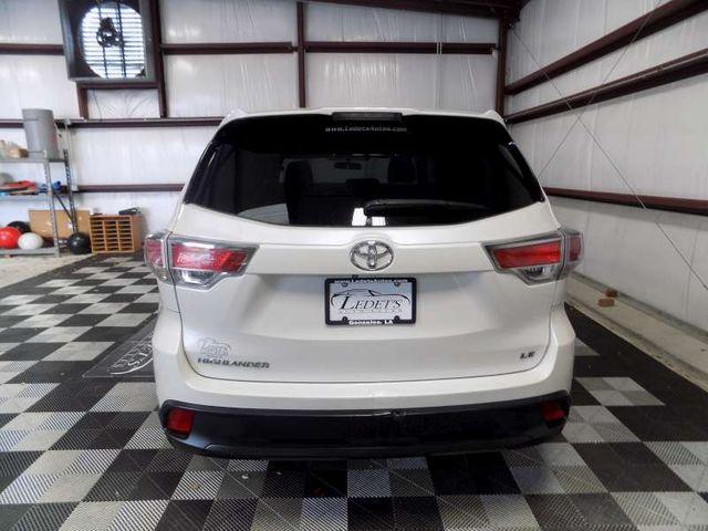 2015 Toyota Highlander LE in Gonzales, Louisiana 70737