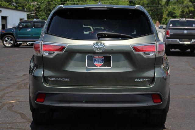 2015 Toyota Highlander XLE AWD Mooresville , NC 18