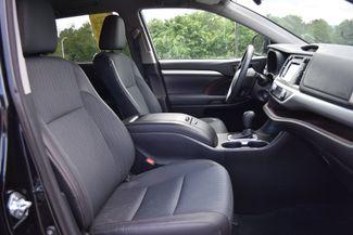 2015 Toyota Highlander LE Naugatuck, Connecticut 10