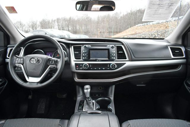 2015 Toyota Highlander LE Naugatuck, Connecticut 17