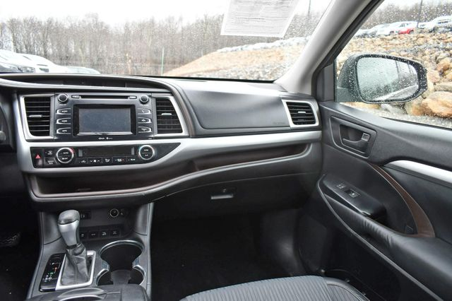 2015 Toyota Highlander LE Naugatuck, Connecticut 18