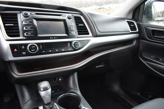 2015 Toyota Highlander LE Naugatuck, Connecticut 22