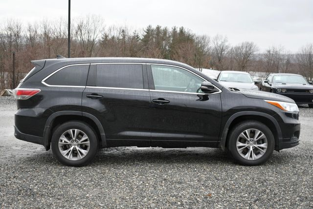 2015 Toyota Highlander LE Naugatuck, Connecticut 5