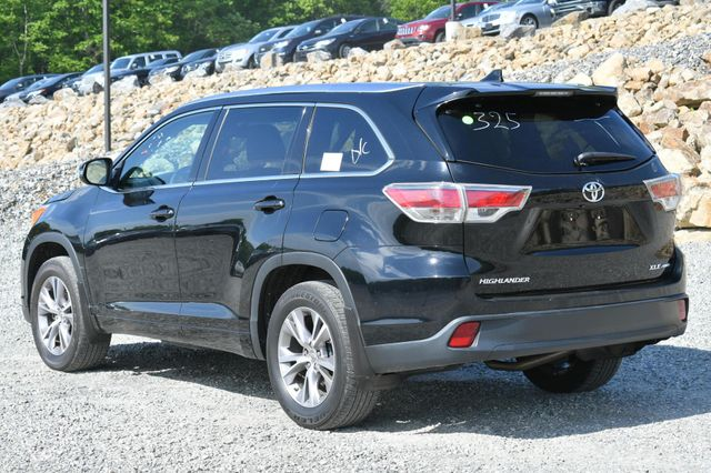 2015 Toyota Highlander XLE Naugatuck, Connecticut 2