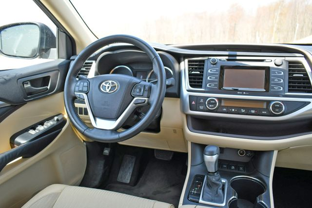 2015 Toyota Highlander LE AWD Naugatuck, Connecticut 18