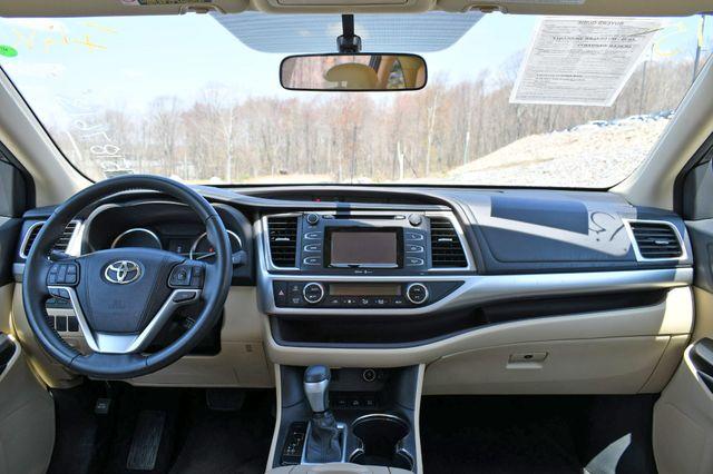 2015 Toyota Highlander LE AWD Naugatuck, Connecticut 19