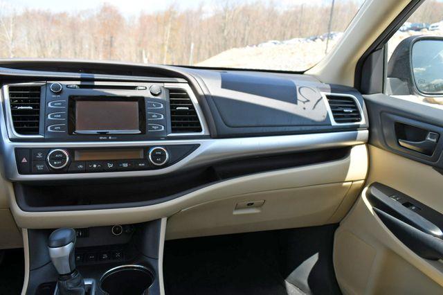 2015 Toyota Highlander LE AWD Naugatuck, Connecticut 20