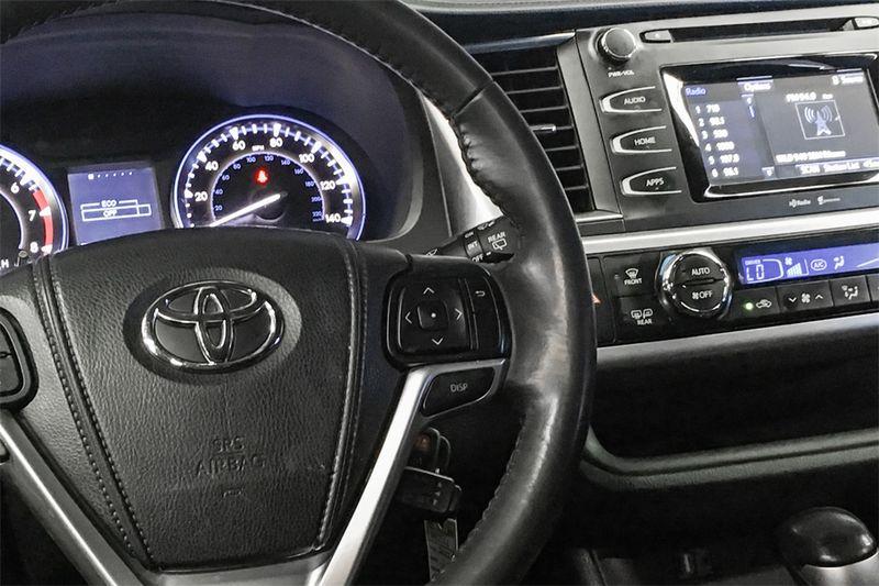 2015 Toyota Highlander LE V6  city CA  M Sport Motors  in Walnut Creek, CA