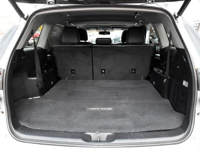 2015 Toyota Highlander XLE Waterbury, Connecticut 35