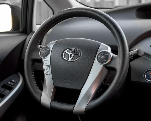 2015 Toyota Prius Four Burbank, CA 16