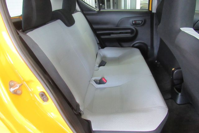 2015 Toyota Prius c One Chicago, Illinois 10