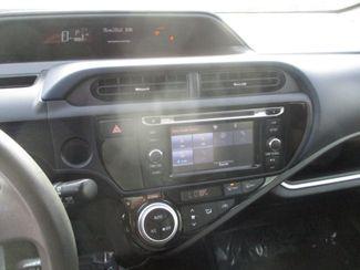 2015 Toyota Prius c One Farmington, MN 4