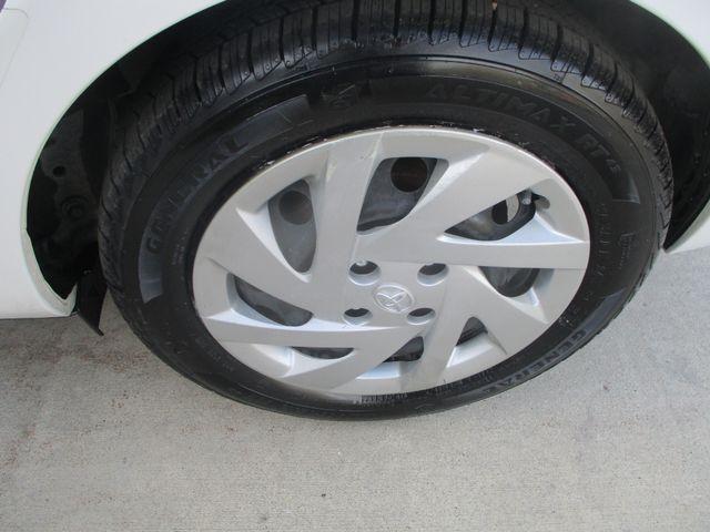 2015 Toyota Prius c One Farmington, MN 5