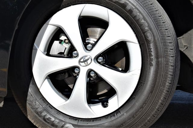 2015 Toyota Prius Four Reseda, CA 13