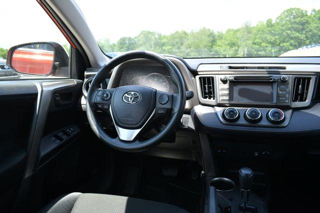 2015 Toyota RAV4 LE Naugatuck, Connecticut 14