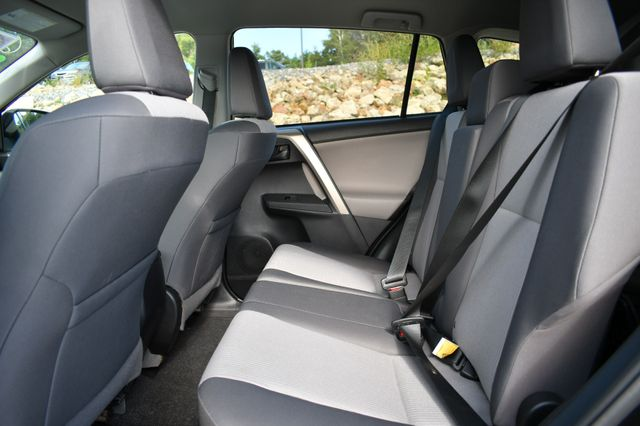 2015 Toyota RAV4 LE Naugatuck, Connecticut 15