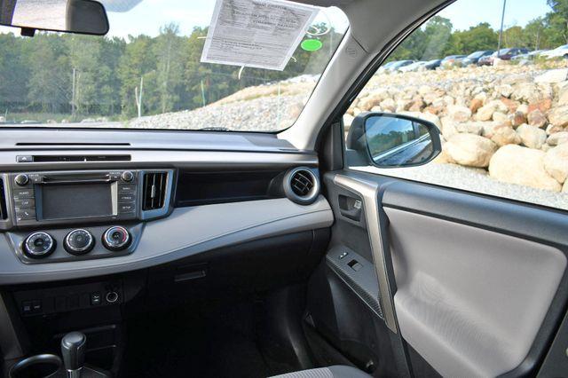 2015 Toyota RAV4 LE Naugatuck, Connecticut 18