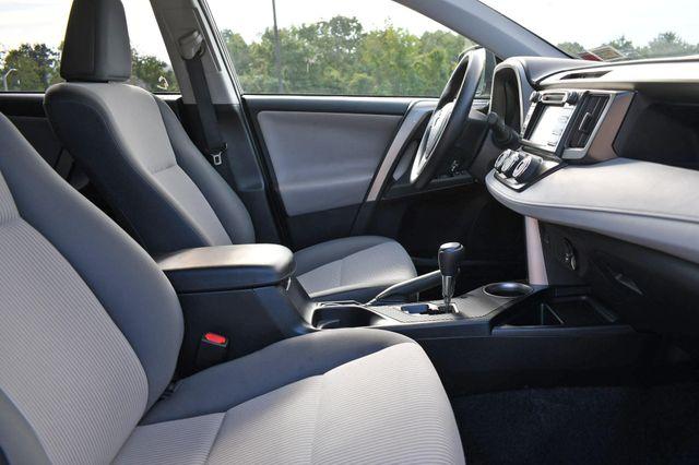 2015 Toyota RAV4 LE Naugatuck, Connecticut 9