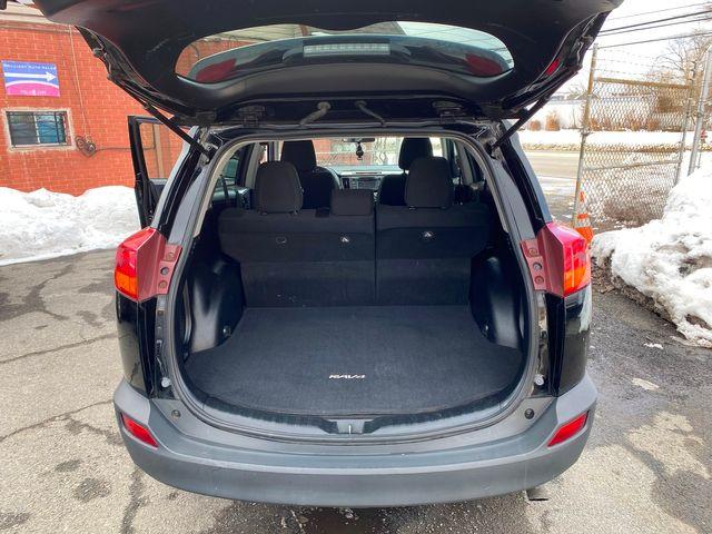 2015 Toyota RAV4 XLE New Brunswick, New Jersey 17