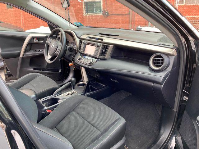 2015 Toyota RAV4 XLE New Brunswick, New Jersey 22
