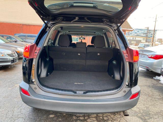 2015 Toyota RAV4 XLE New Brunswick, New Jersey 33