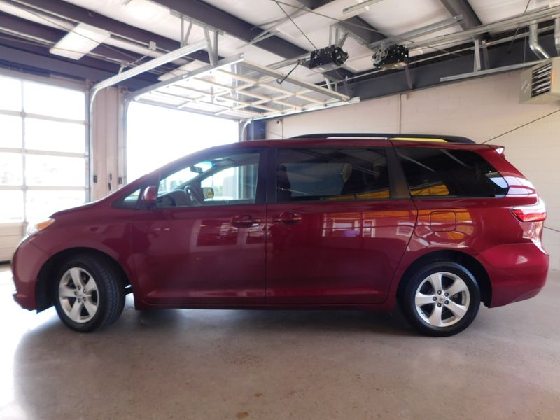2015 Toyota Sienna LE  city TN  Doug Justus Auto Center Inc  in Airport Motor Mile ( Metro Knoxville ), TN