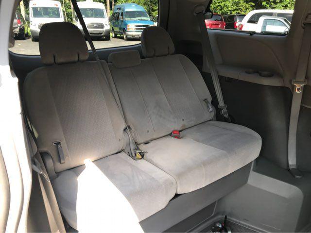 2015 Toyota Sienna handicap wheelchair accessible vanvan Dallas, Georgia 5