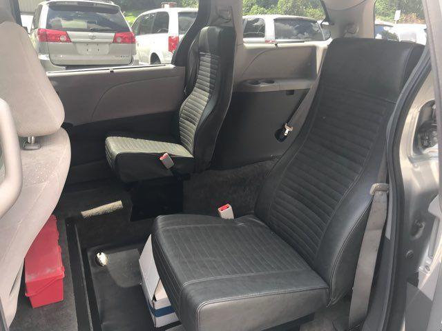 2015 Toyota Sienna Handicap wheelchair accessible essible Dallas, Georgia 13