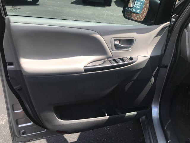 2015 Toyota Sienna Handicap wheelchair accessible essible Dallas, Georgia 15