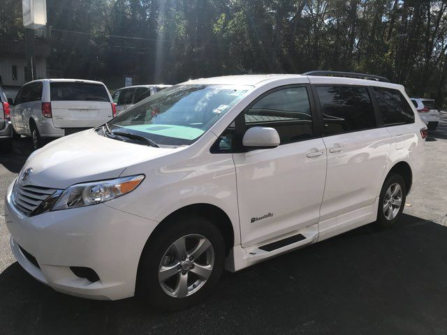 2015 Toyota Sienna LE Handicap Wheelchair accessible Dallas, Georgia