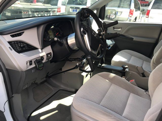 2015 Toyota Sienna LE Handicap Wheelchair accessible Dallas, Georgia 21