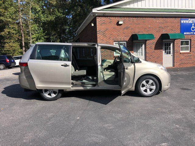 2015 Toyota Sienna Handicap wheelchair accessible rear entry Dallas, Georgia 17