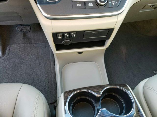 2015 Toyota Sienna XLE in Ephrata, PA 17522