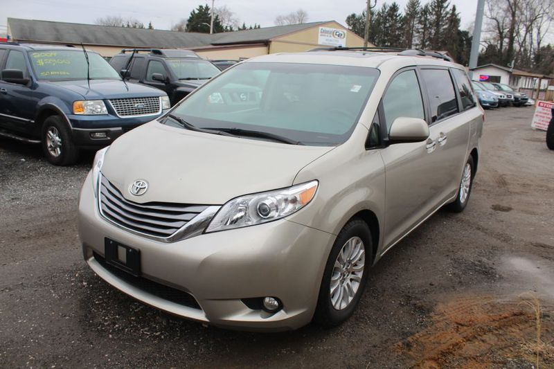 2015 Toyota Sienna XLE  city MD  South County Public Auto Auction  in Harwood, MD