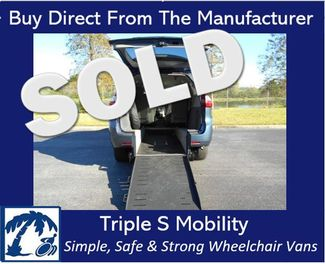 2015 Toyota Sienna Le Wheelchair Van Handicap Ramp Van Pinellas Park, Florida 0
