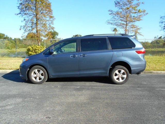 2015 Toyota Sienna Le Wheelchair Van Pinellas Park, Florida 4