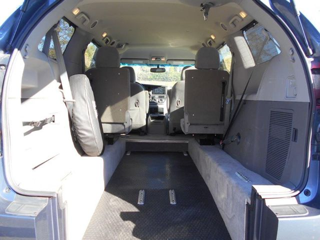 2015 Toyota Sienna Le Wheelchair Van Pinellas Park, Florida 6