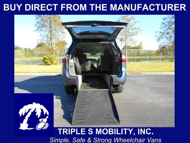 2015 Toyota Sienna Le Wheelchair Van Pinellas Park, Florida 1