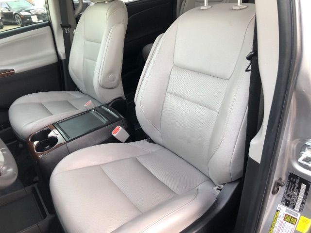 2015 Toyota Sienna Limited AWD 7-Passenger V6 LINDON, UT 14