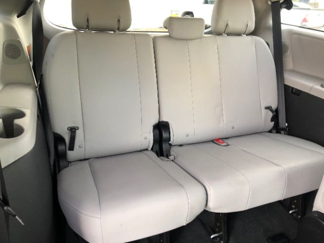 2015 Toyota Sienna Limited AWD 7-Passenger V6 LINDON, UT 30