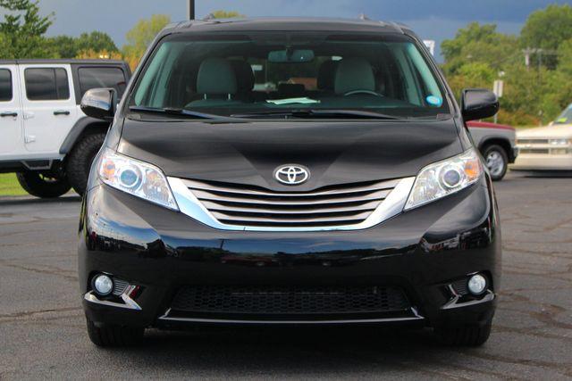 2015 Toyota Sienna XLE Premium AWD - NAVIGATION - REAR DVD - SUNROOF! Mooresville , NC 19