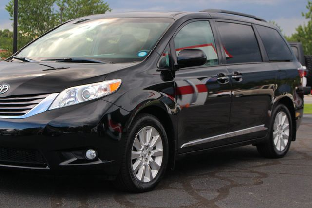 2015 Toyota Sienna XLE Premium AWD - NAVIGATION - REAR DVD - SUNROOF! Mooresville , NC 27