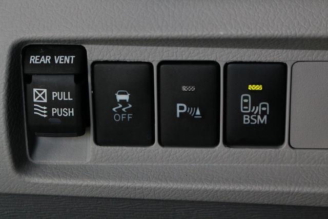 2015 Toyota Sienna XLE Premium AWD - NAVIGATION - REAR DVD - SUNROOF! Mooresville , NC 32